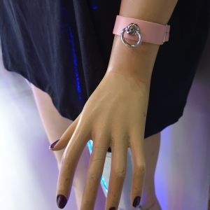 HANDMADE  SMALL RING LEATHER WRISTBAND - PINK