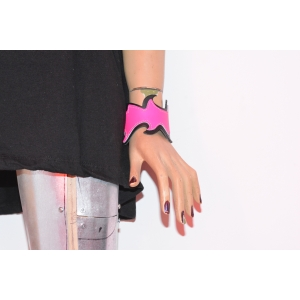 DOUBLE LAYER WB, FIRE DESIGN BUTTONED LEATHER WRISTBAND - PINK